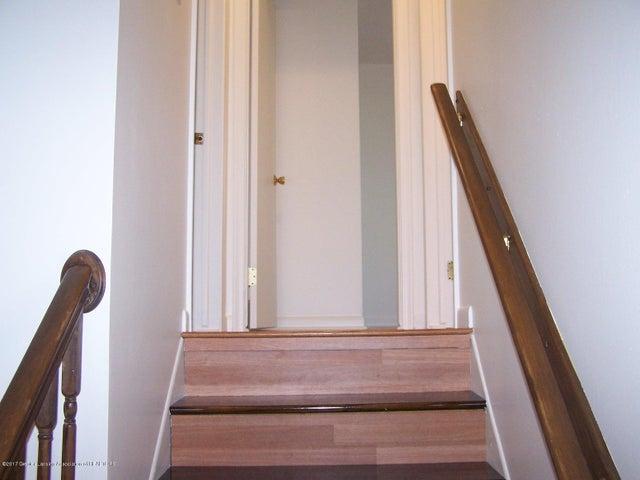 315 Lee St - Upstairs - 13