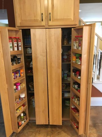1422 W Cutler Rd - Pantry Cabinet - 6