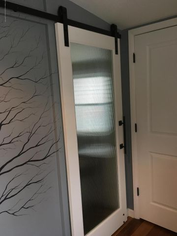 1422 W Cutler Rd - Barn Door - 9