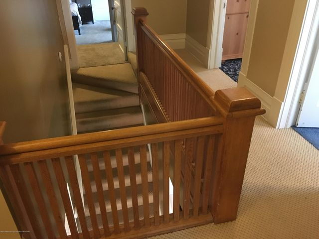 1422 W Cutler Rd - Open Stairway - 21