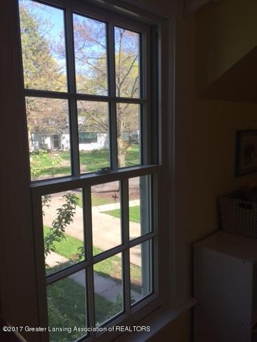 249 University Dr - View from Yellow Bedroom - 28