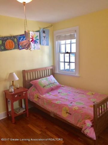 249 University Dr - Yellow Bedroom2 - 26