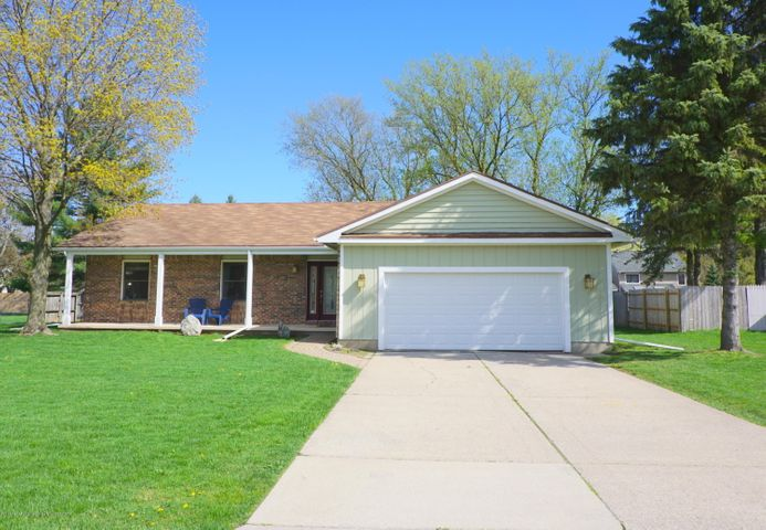 1350 Cove Ct - Front - 1