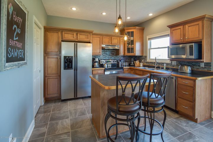 11929 Arrowhead - KITCHEN - 3
