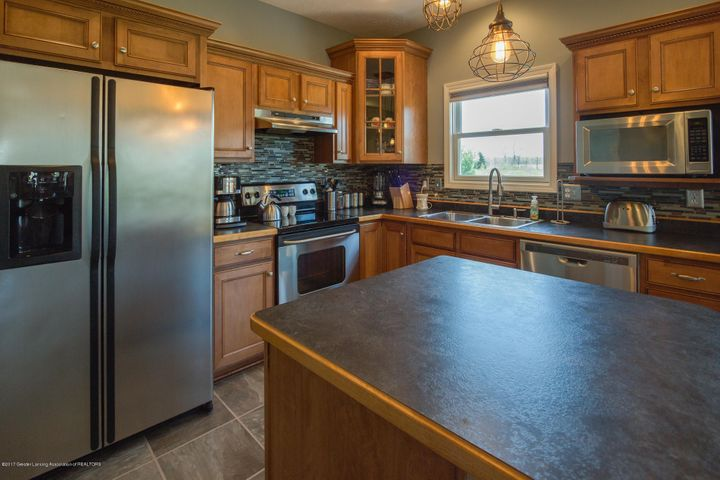 11929 Arrowhead - KITCHEN - 8