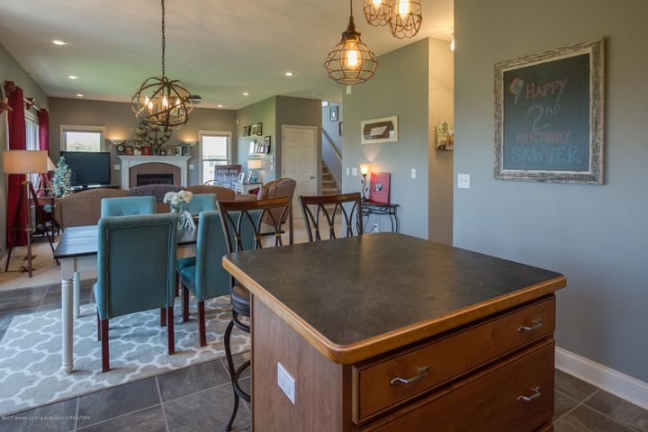 11929 Arrowhead - DINING ROOM - 9