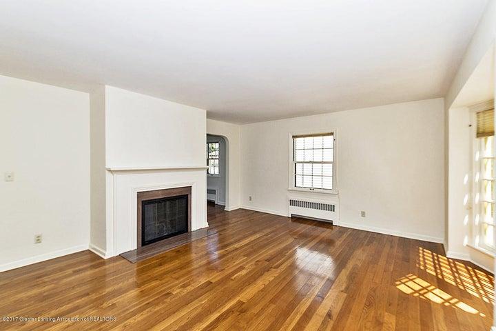 527 Beech St - Living Room - 3