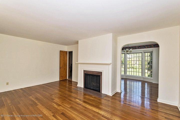 527 Beech St - Living Room - 5
