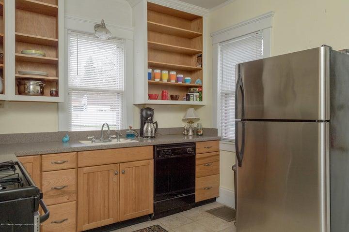 128 Horton St - kitchen - 2