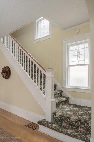 128 Horton St - staircase - 10