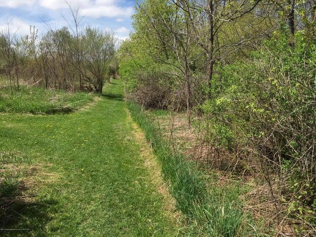 1422 W Cutler Rd - Trails - 27