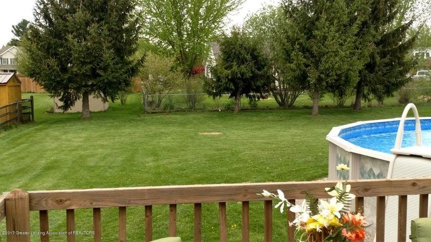 10083 Roblyn Cir - Backyard - 29