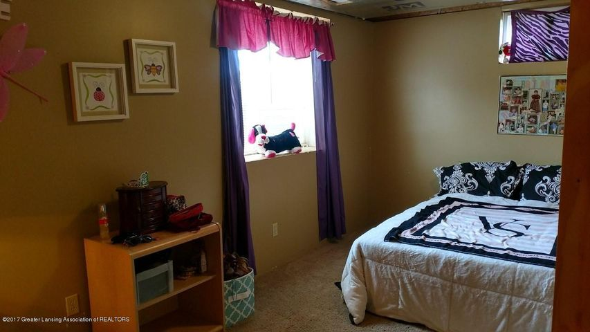 10083 Roblyn Cir - Bedroom 4 - 28