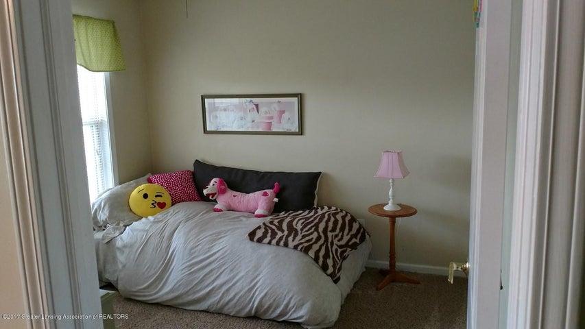 10083 Roblyn Cir - Bedroom 2 - 19