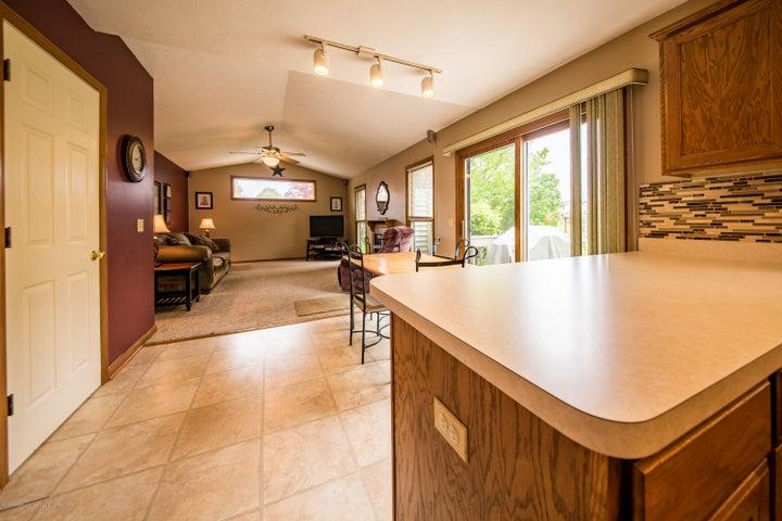 3910 Camperdown Dr - Kitchen/Family Room - 17