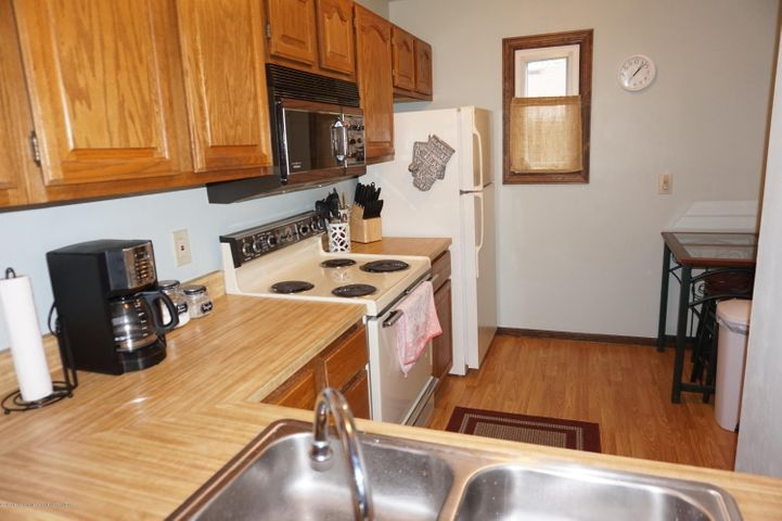 1519 Erica Ln 20 - kitchen - 8