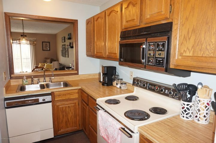 1519 Erica Ln 20 - kitchen - 9