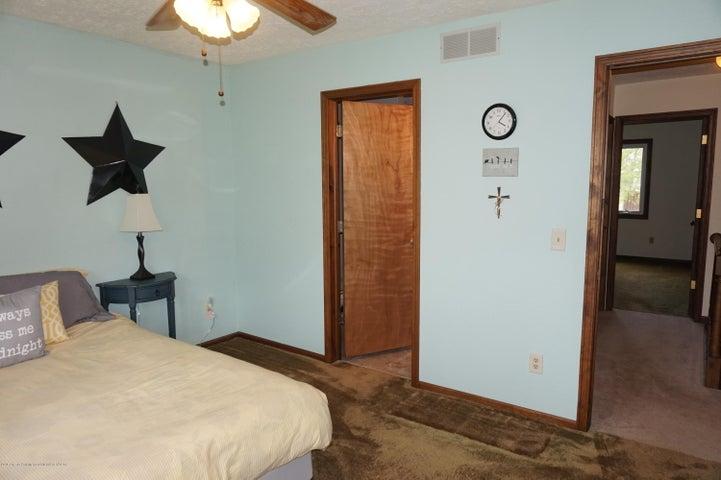 1519 Erica Ln 20 - master bedroom - 11