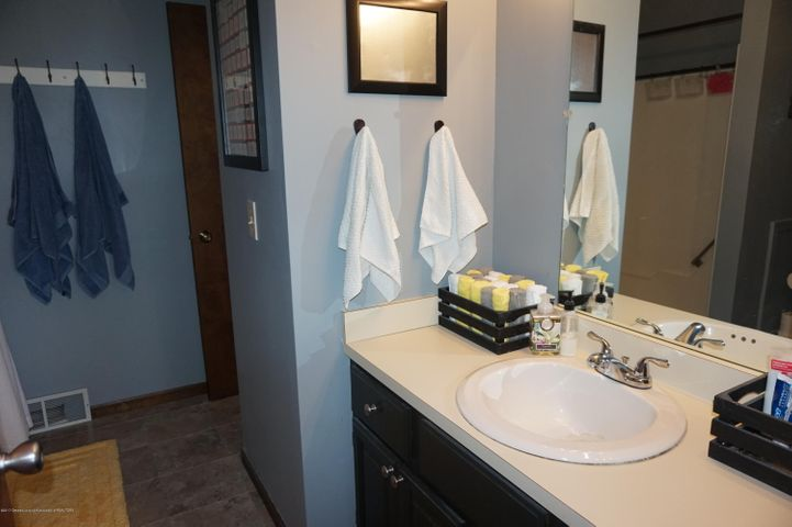 1519 Erica Ln 20 - bathroom - 12