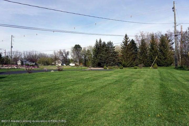 9338 Jason Rd - 9338.Jason.Front.yard - 12