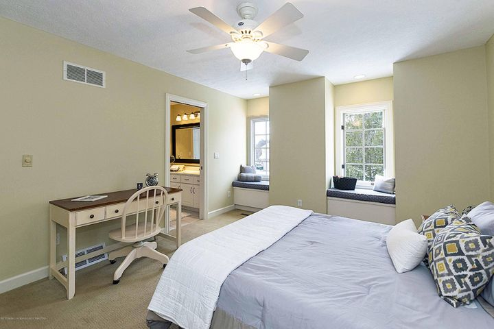 6446 Ridgepond Dr - Second Bedroom - SE - 35