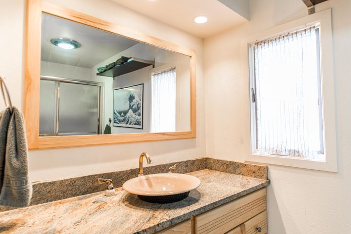 2730 Parkside Blvd - Master Bath - 17