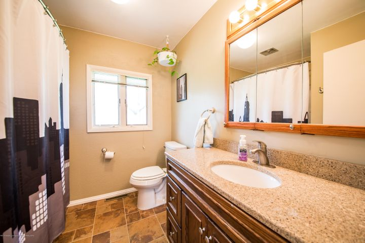 2730 Parkside Blvd - Bathroom - 14