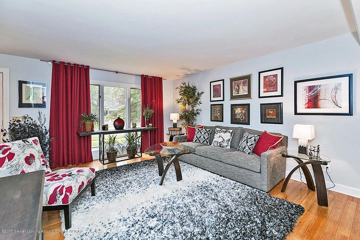 6062 Oak Park Trail - Living Room - 6