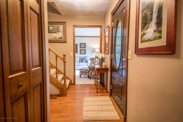 4314 Indian Glen Dr - Foyer - 2