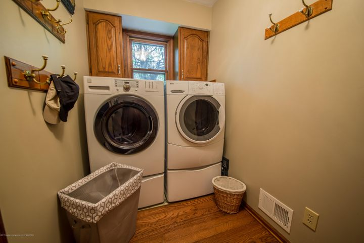 4314 Indian Glen Dr - First Floor Laundry - 9