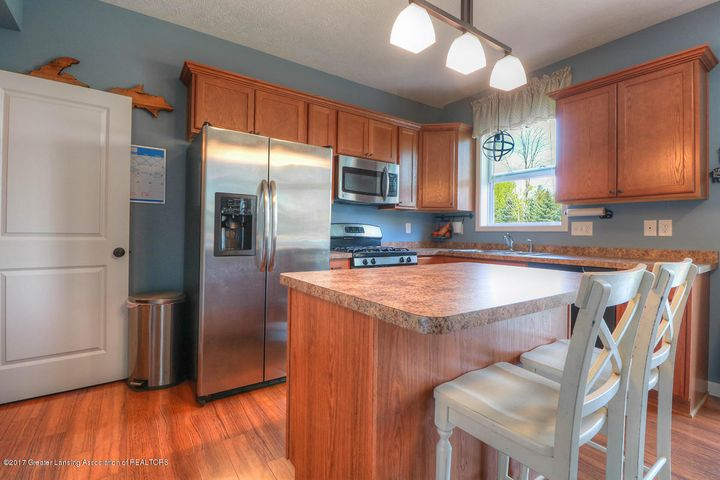 1083 Oakwood Dr - Kitchen - 4