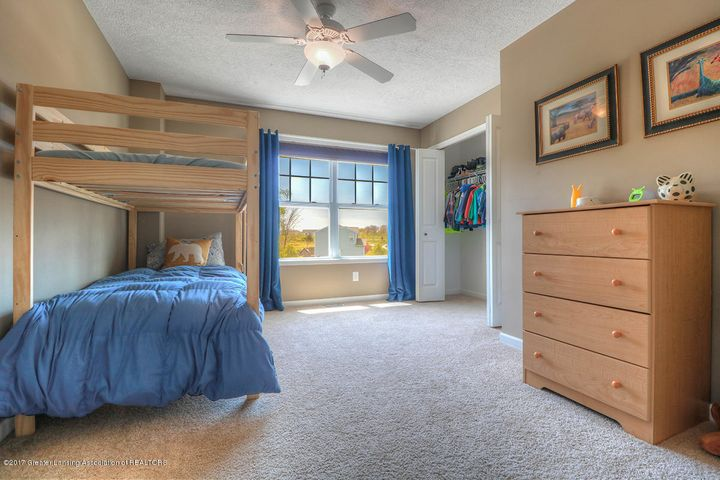 1083 Oakwood Dr - Bedroom - 11