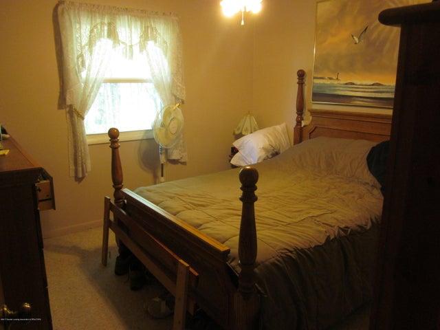11000 Crawford Rd - Bedroom - 2