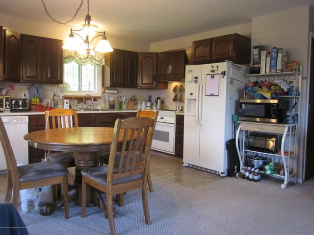 11000 Crawford Rd - Kitchen and Dining - 7