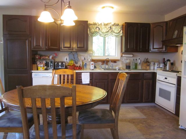 11000 Crawford Rd - Kitchen and Dining - 8