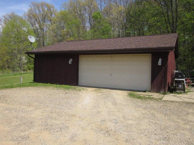 11000 Crawford Rd - Garage - 18