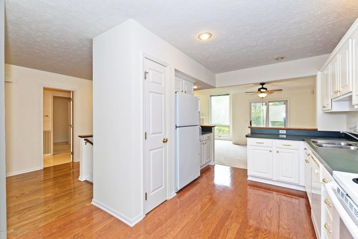 5252 E Hidden Lake Dr - Kitchen - 6