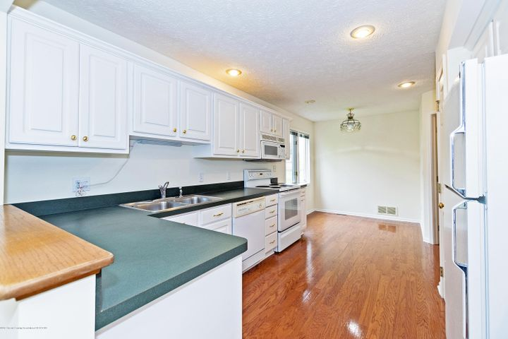 5252 E Hidden Lake Dr - Kitchen - 7