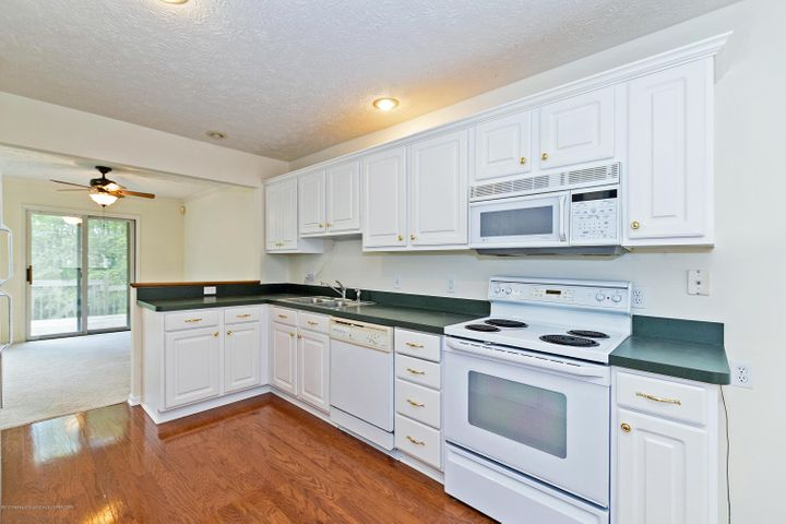 5252 E Hidden Lake Dr - Kitchen - 9