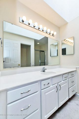 5252 E Hidden Lake Dr - Master Bath - 13