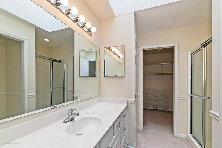 5252 E Hidden Lake Dr - Master Bath - 15