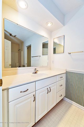 5252 E Hidden Lake Dr - Main Bath - 18