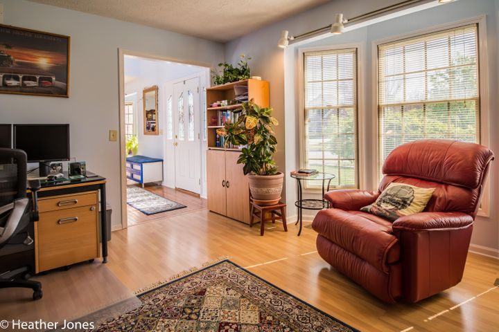 971 Harrington Ln - Formal livingroom or study - 9