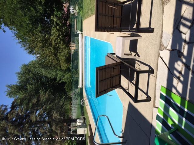 410 W Geneva Dr - Pool 1 - 37
