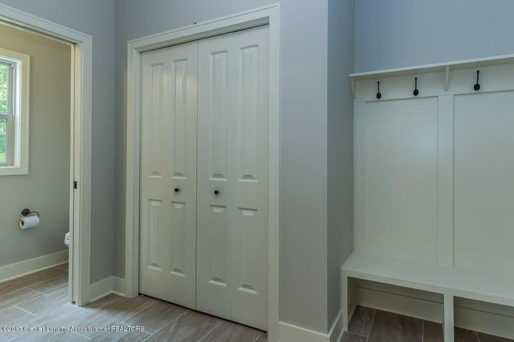 13665 Sienna Pass - Large Mud Room - 16