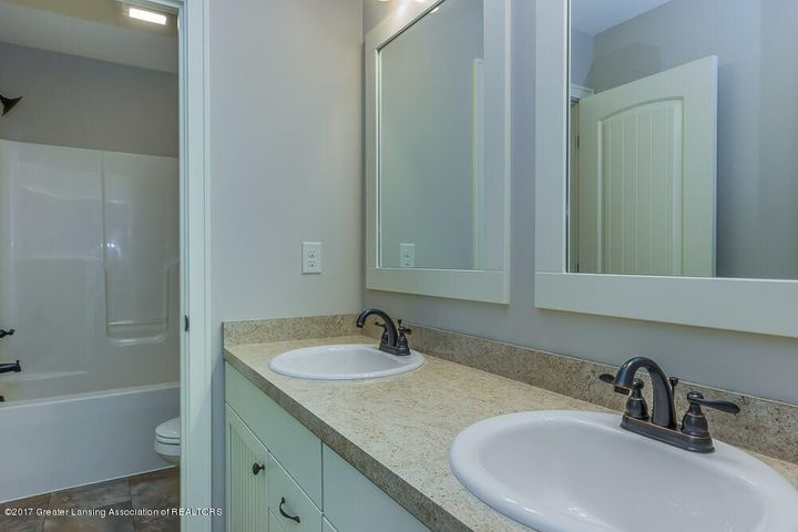 13665 Sienna Pass - Bath with Double Sink Vanity - 19