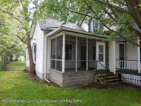825 Jenne St - SCREENED IN PORCH - 20