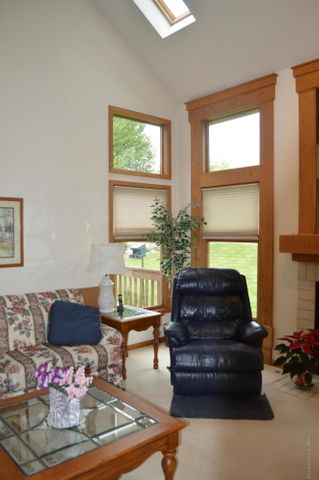 3887 Crooked Creek Rd - The Living Room - 4
