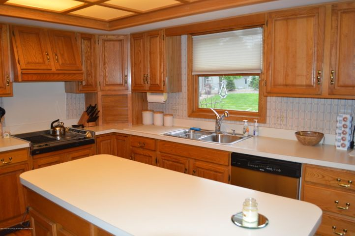 3887 Crooked Creek Rd - Kitchen - 14
