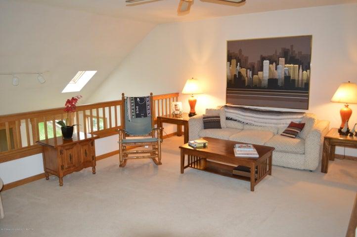 3887 Crooked Creek Rd - Loft Family Room level 2 - 17